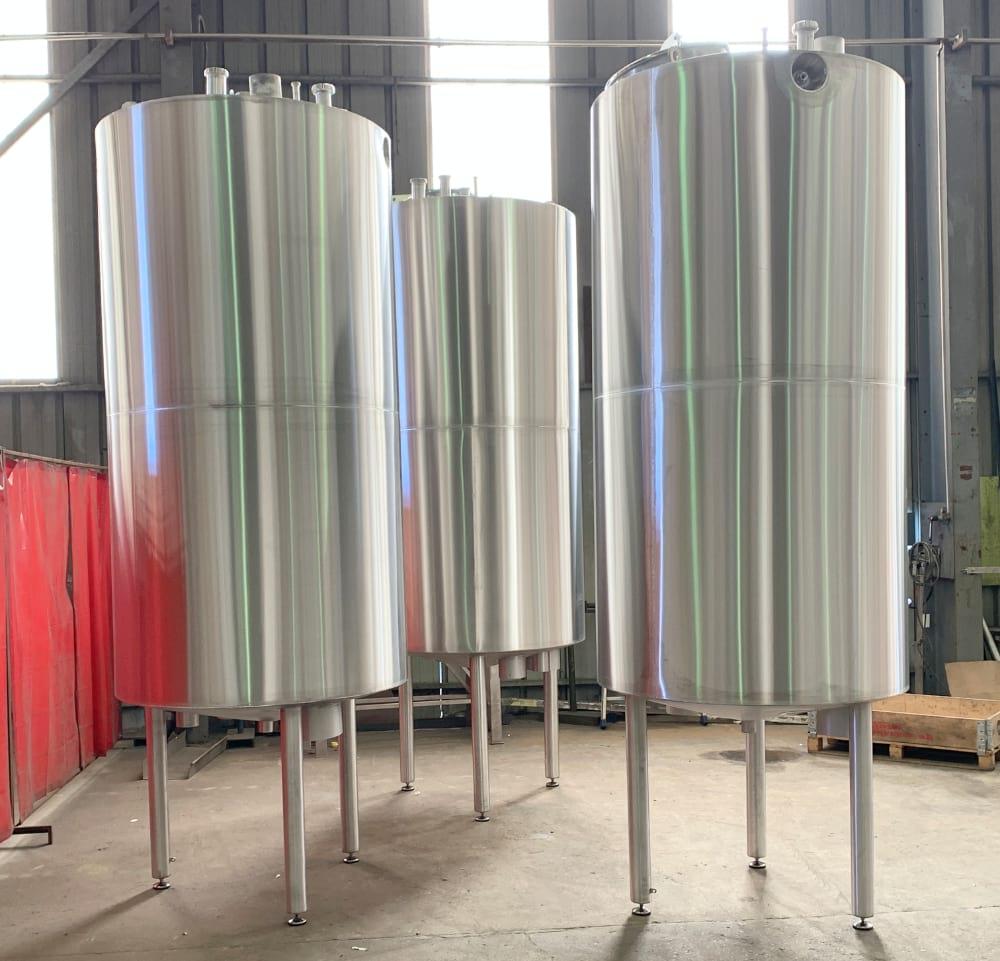 photo tanks inox